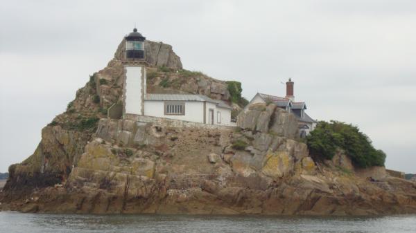 Le phare sur l'île Louêt