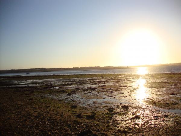 Le soleil se couche doucement au large de Carantec